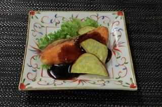 鮭のムニエルバルサミコ醤油ソース