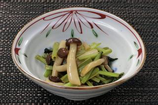 しめじと小松菜のオイスターソース炒め