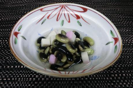浸し豆 (かまぼこ入り)